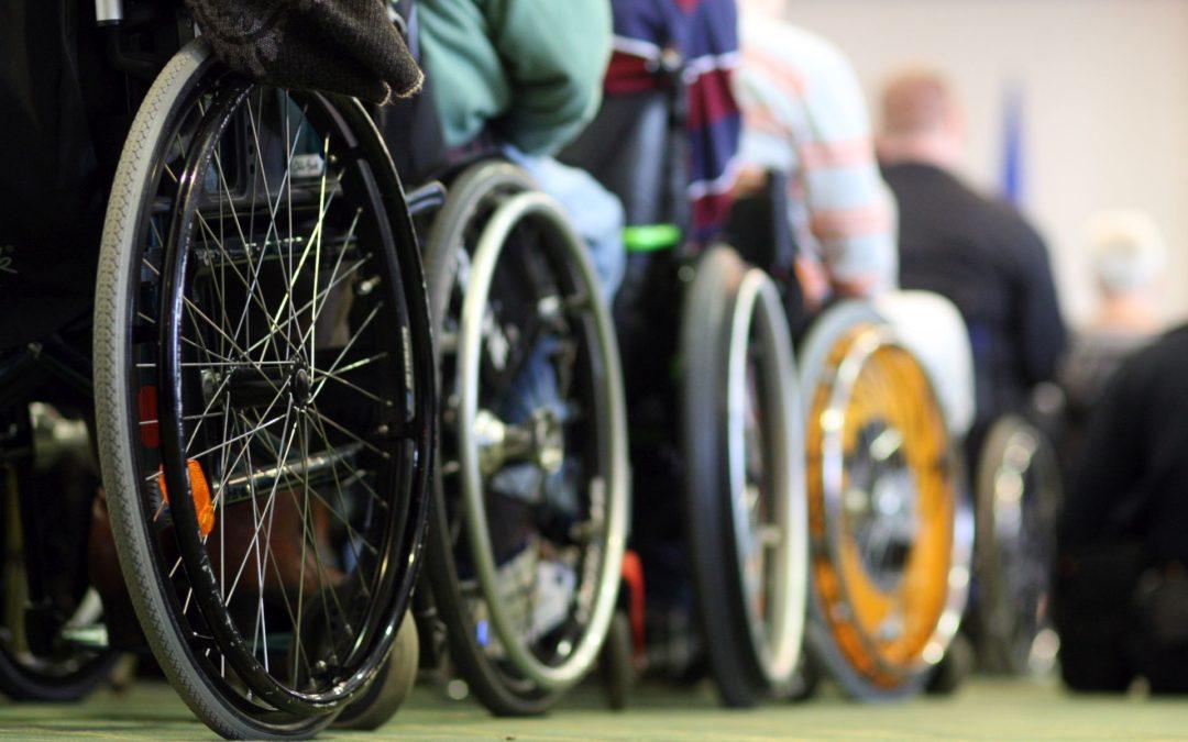 JAVNI POZIV  za dostavljanje prijava za zaključivanje ugovora za izradu i isporuku ortopedskih i drugih pomagala osiguranim osobama za 2019. godinu